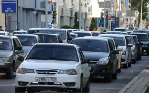 Власти Краснодара назвали главную причину пробок в городе