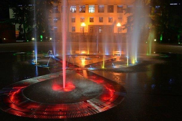 Сочинский фонтан лишил девственности пьяную 18-летнюю студентку