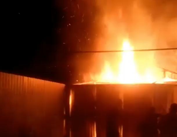 После салюта в Краснодаре загорелся дом