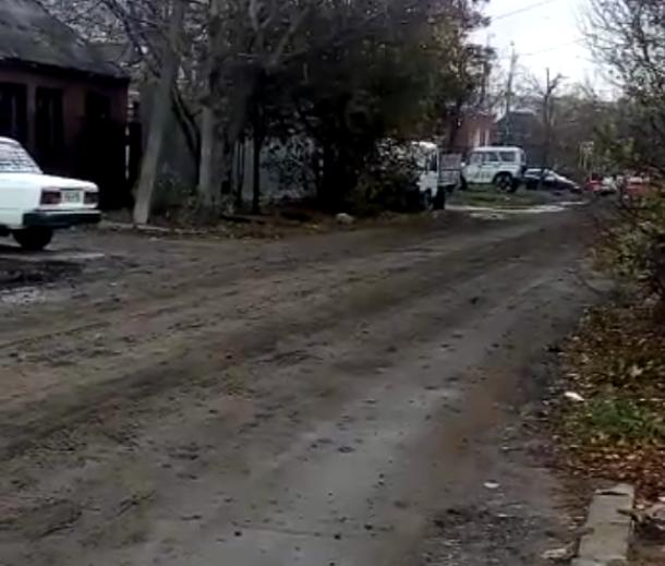 Строительная техника, которая ремонтирует Тургенева в Краснодаре, портит другие дороги