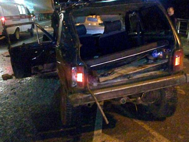 ВКраснодарском крае столкнулись «Нива» и грузовой автомобиль MAN: пострадали 4 человека
