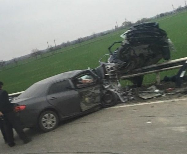В лобовом столкновении под Краснодаром погибли три человека