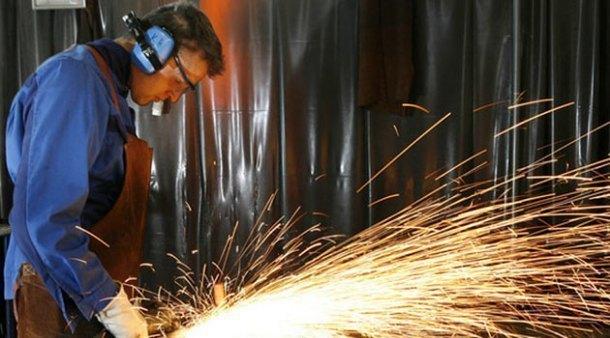 Промышленных производителей на Кубани решили поддержать субсидиями