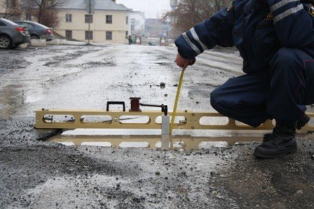 В РФ введут ГОСТы для уличных ям