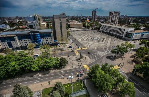 Краснодарцы собирают подписи на реализацию проекта «Зеленый экран города»