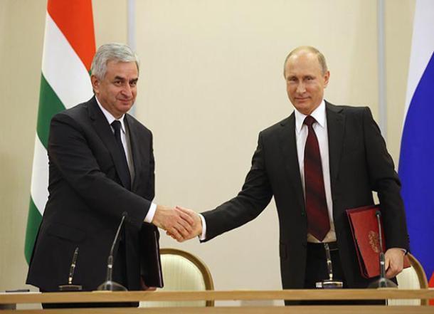 Владимир Путин проведет встречу с президентом Абхазии в Сочи