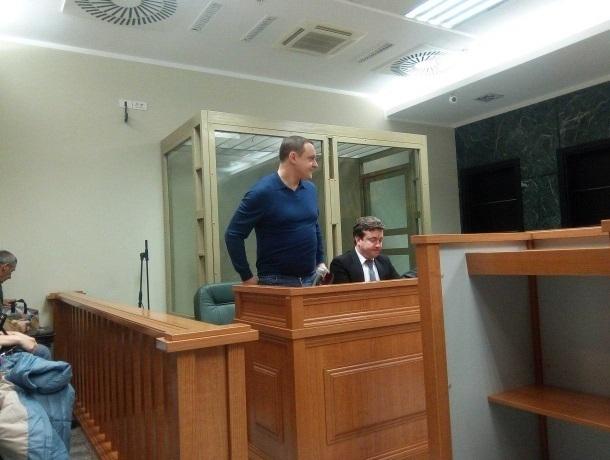 Аплодисментами встретили обманутые дольщики продление ареста сыну депутата из Краснодарского края