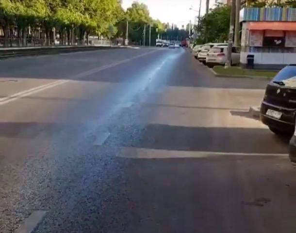 На одной из главных улиц Краснодара разлили масло