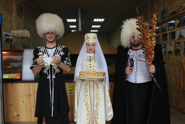В Краснодаре работает для вас сеть кафе «Аланская Курица & Пироги»