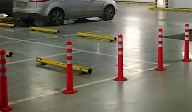Краснодарские автомобилисты могут лишиться «прав» из-за столбика на парковке