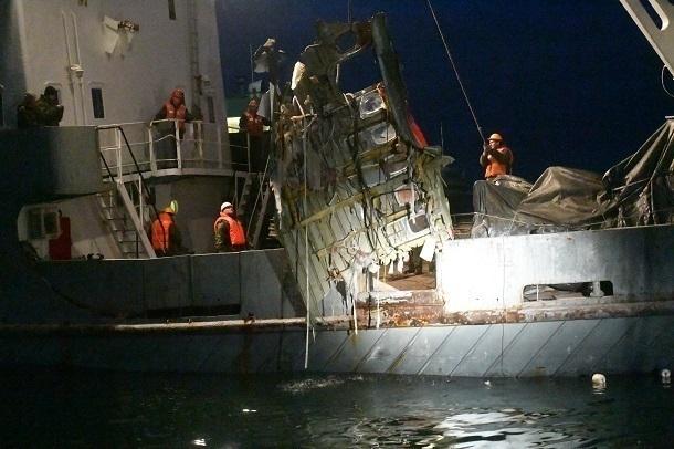 Работа водолазов наместе крушения Ту-154 угодила навидео
