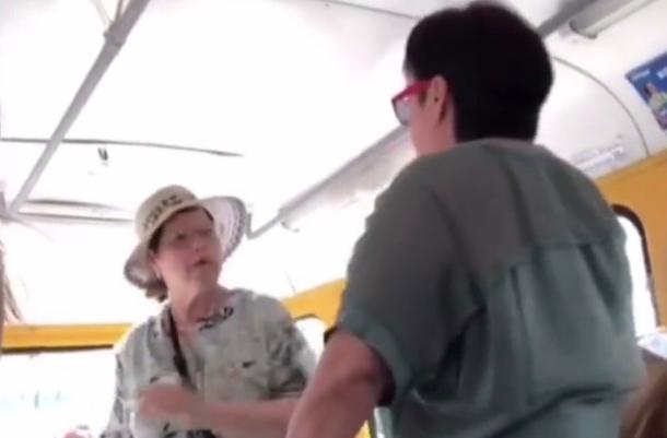 В Краснодаре две женщины устроили драку в трамвае