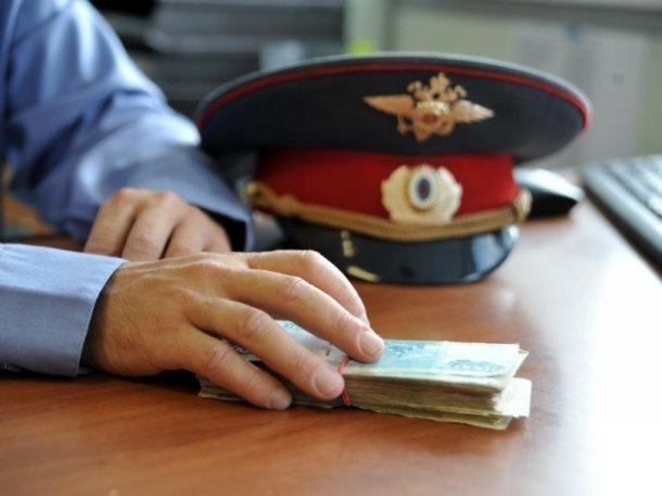 Сотрудница полиции в Брюховецком районе требовала с предпринимателя взятку 2,5 млн рублей