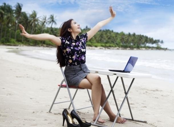 Жители России стали брать подработку ради летнего отдыха
