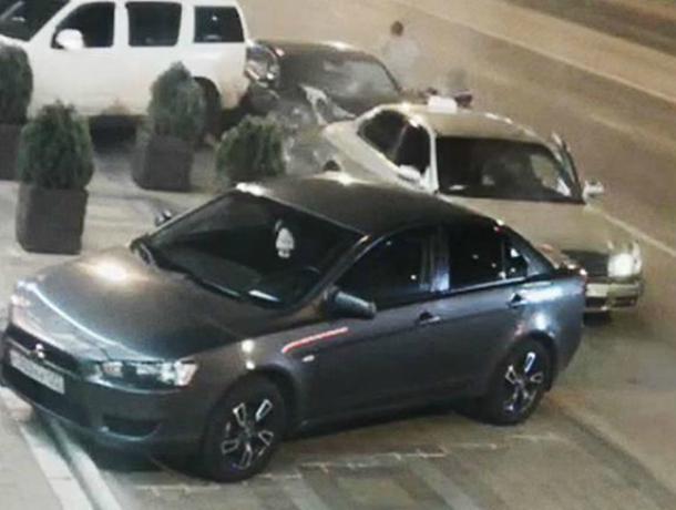 В Краснодаре «хитрый» угонщик протаранил четыре машины и сбежал, оставив паспорт на месте ДТП