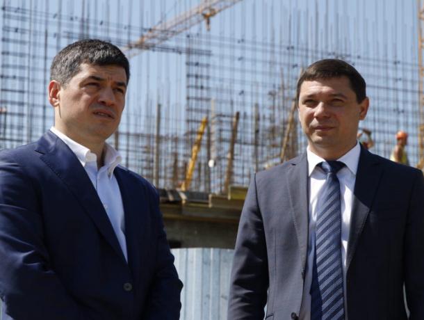 Мэр Краснодара и бизнесмен договорились о передаче огромных участков земли