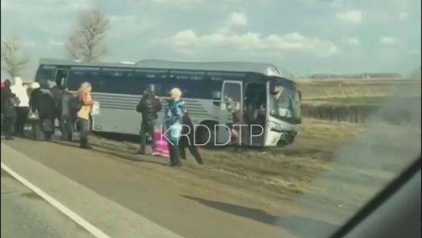 В аварии с пассажирском автобусом в Краснодарском крае пострадавших нет