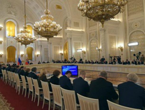 В совещании государственного совета вКремле учавствует Борис Дубровский