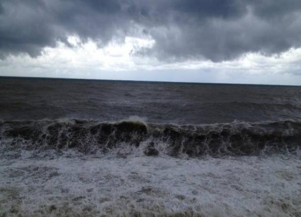 Экстренное предупреждение по непогоде объявили на Черноморском побережье