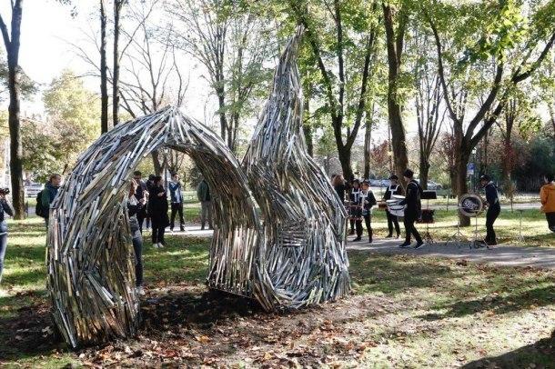 Необычную скульптуру открыли в Краснодаре