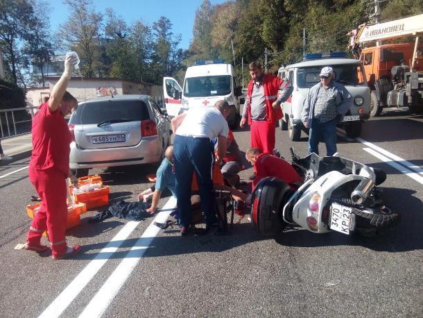 Пожилые скутеристы пострадали в ДТП в Туапсе