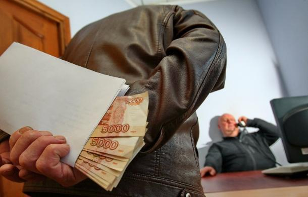 ВКрымском районе двоих экс-сотрудников ГИБДД обвинили вполучении взятки