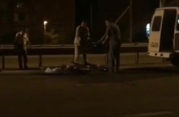 В Краснодаре мотоциклист насмерть сбил женщину и погиб сам