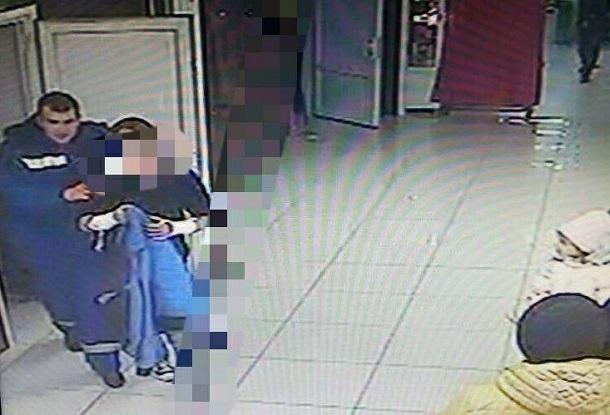 В торговом центре Краснодарского края обнаружили мужчину, истекающего кровью