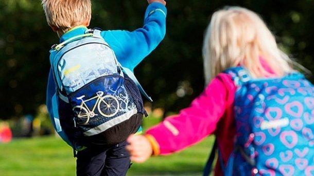 ВРоспотребнадзоре рекомендуют взвешивать ученический рюкзак
