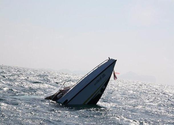 Пограничный катер опрокинулся в Азовском море