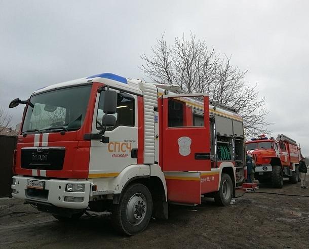 Крупный пожар произошел под Краснодаром