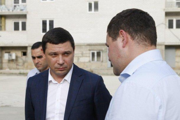 Мэра Краснодара удивили темпы работ на стройплощадке долгостроя «Таурас-96»