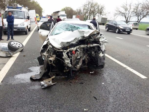 Три человека погибли при столкновении 2-х авто наКубани