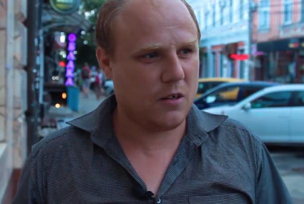 Сироте и обманутому дольщику, живущему на улице в Краснодаре, депутаты помогли найти временное жилье