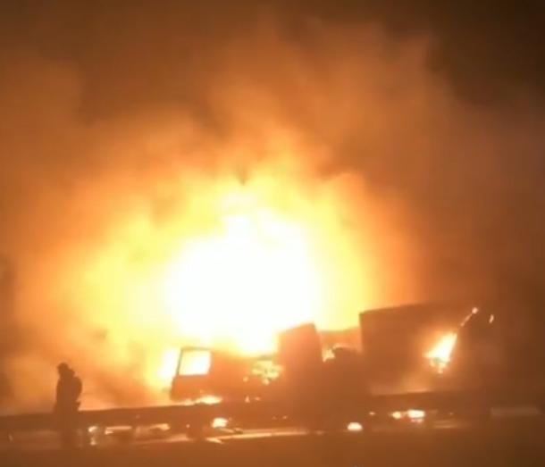 Фура «Магнита» и еще три автомобиля столкнулись под Краснодаром