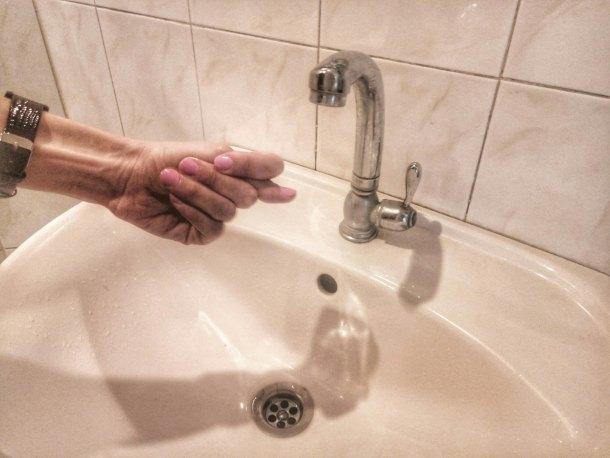 Половина Белореченска из-за аварии осталась без воды