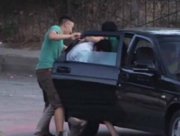 На Кубани молодой наркоман похитил «даму в возрасте», чтобы надругаться