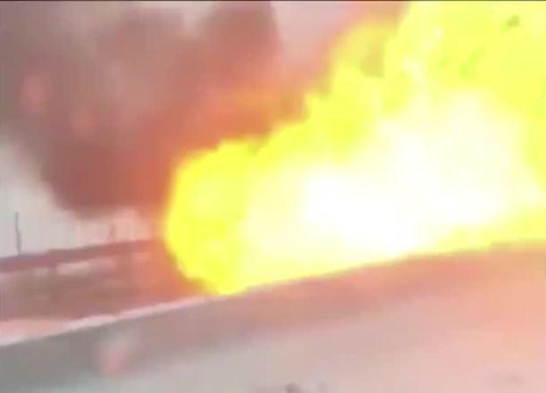 По дороге в Краснодар в массовом ДТП взорвалась машина