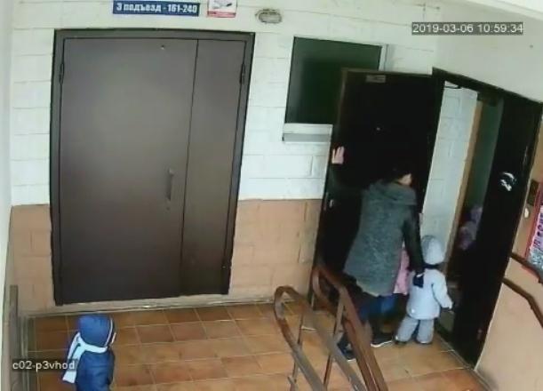 Воспитательница частного сада забыла ребенка на улице в Краснодаре