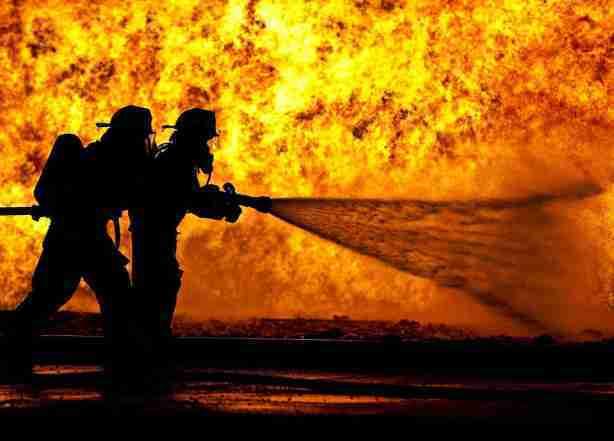 Пожар на складе в Краснодаре локализовали