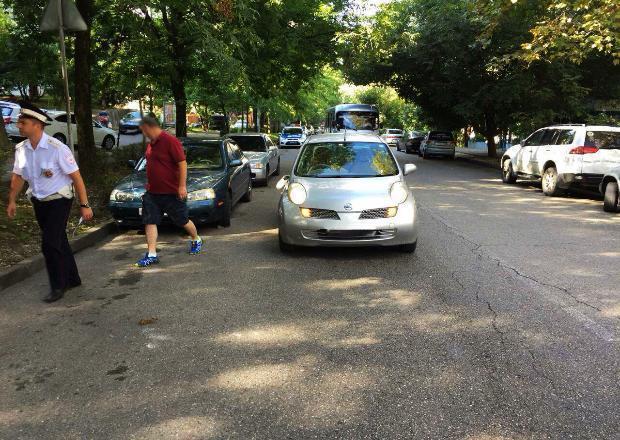 Иномарка сбила 11-летнюю девочку в Сочи