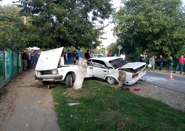 «Пятерку» надвое разорвало в ДТП под Краснодаром