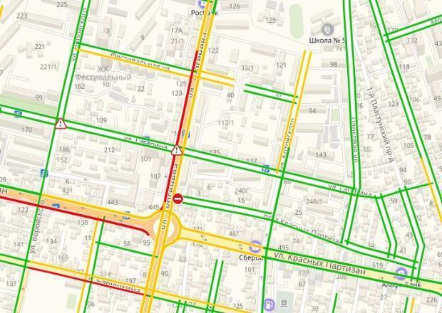 Краснодарцы массово «тестировали» отремонтированную улицу Тургенева и попали в пробку