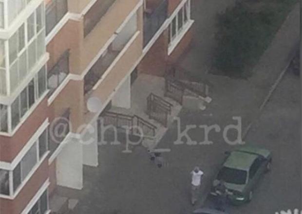 Труп 14-летнего подростка обнаружили под окнами дома в Краснодаре