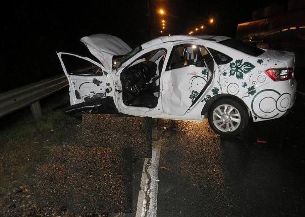 На Кубани в массовом ДТП с двумя грузовиками и легковушкой погибли два человека