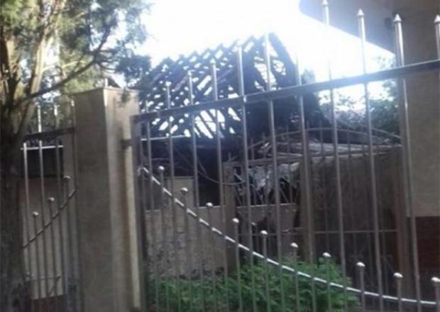 При крупном пожаре в Сочи пострадала пожилая женщина