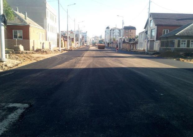 В Краснодаре приступили к асфальтированию улицы Тургенева