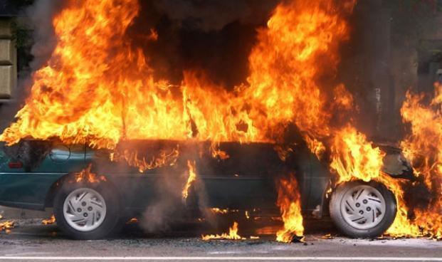 Росгвардия спасла от пожара автомобиль в Краснодарском крае