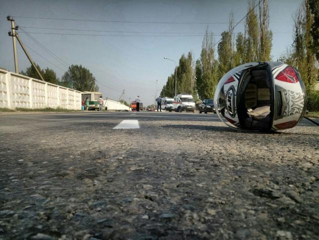Разбились насмерть мотоциклист и его пассажирка в ДТП с автобусом на Кубани