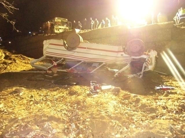 В Апшеронском районе опрокинулся автобус